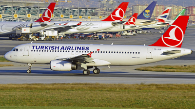 TC-JUF - Airbus A320-232 - Turkish Airlines