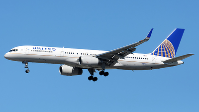A picture of N29124 - Boeing 757224 - United Airlines - © Alexander Portas