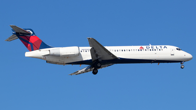 A picture of N899AT - Boeing 7172BD - Delta Air Lines - © Sandra