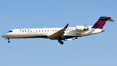 N642CA - Bombardier CRJ-701ER - Delta Connection (Comair)