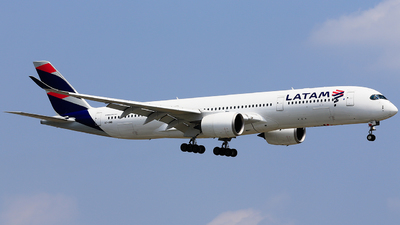A7-AMB - Airbus A350-941 - Qatar Airways (LATAM Airlines)