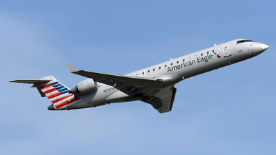 A picture of N755SK - Mitsubishi CRJ701ER - American Airlines - © DJ Reed - OPShots Photo Team