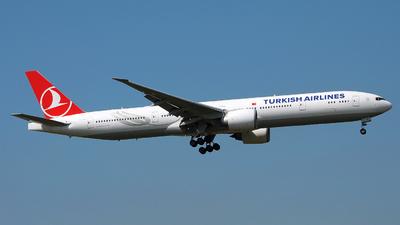 VT-JEN - Boeing 777-35RER - Turkish Airlines