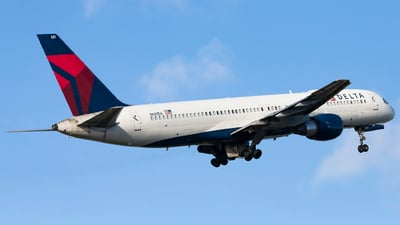 A picture of N681DA - Boeing 757232 - Delta Air Lines - © Jacob Singer