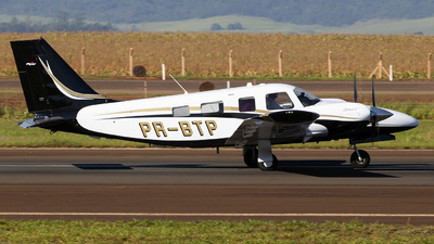 PR-BTP - Piper PA-34-220T Seneca V - Private
