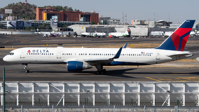 A picture of N543US - Boeing 757251 - Delta Air Lines - © Juan Carlos Alvarez (MAS Aviation Press)