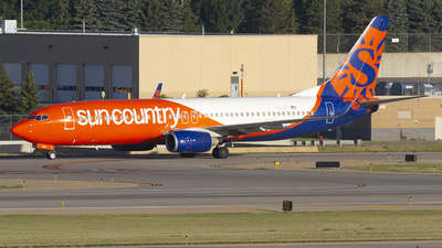 A picture of N833SY - Boeing 7378KN - Sun Country Airlines - © Jeremy D. Dando