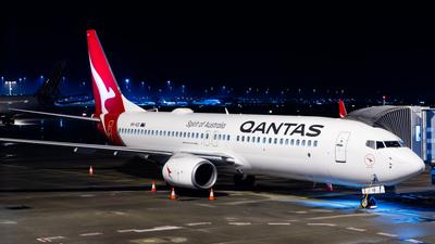 VH-VZI - Boeing 737-838 - Qantas