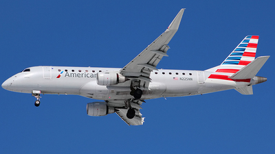 A picture of N225NN - Embraer E175LR - American Airlines - © Chrisjake