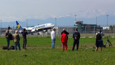 LIMF - Airport - Spotting Location