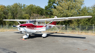 YU-SEE - Cessna 182 - Private
