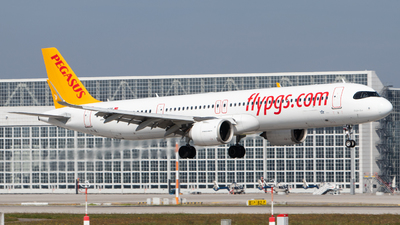 A picture of TCRBB - Airbus A321251NX - Pegasus Airlines - © Tim Donell