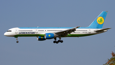 UK75703 - Boeing 757-231 - Uzbekistan Airways