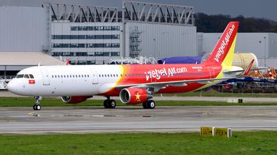 D-AVYM - Airbus A321-211 - VietJet Air