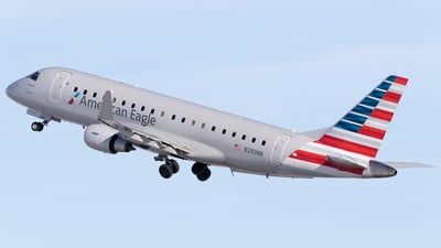 A picture of N280NN - Embraer E175LR - American Airlines - © Mike MacKinnon