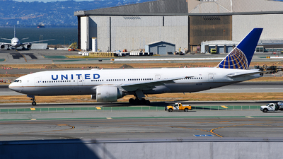 A picture of N77019 - Boeing 777224(ER) - United Airlines - © Rocky Wang