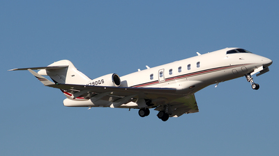 A picture of N790QS - Bombardier Challenger 350 - NetJets - © Huy Do