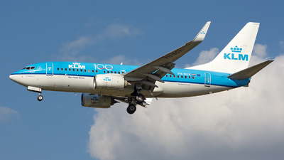 A picture of PHBGX - Boeing 7377K2 - KLM - © András Soós