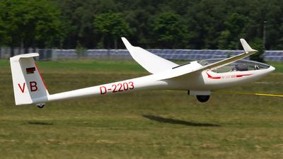 D-2203 - Glaser-Dirks DG-300 Elan - Private