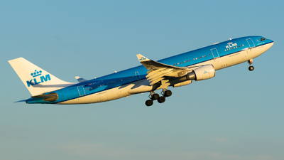 PH-AOB - Airbus A330-202 - KLM Royal Dutch Airlines
