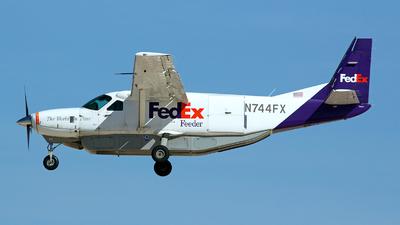A picture of N744FX - Cessna 208B Super Cargomaster - FedEx - © TarmacPhotos.com