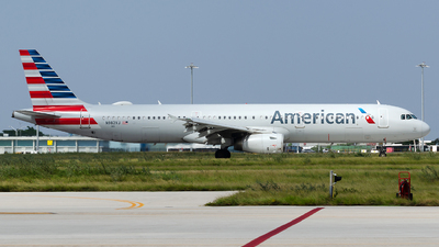 A picture of N982VJ - Airbus A321231 - American Airlines - © Nito