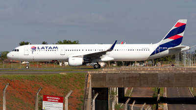 A picture of PTXPG - Airbus A321211 - LATAM Airlines - © LazaroEdu