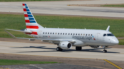 A picture of N233NN - Embraer E175LR - American Airlines - © ne.planespotter