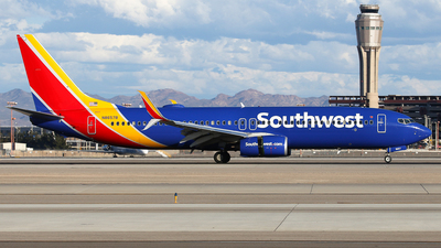 N8657B - Boeing 737-8H4 - Southwest Airlines