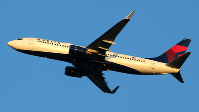 A picture of N3760C - Boeing 737832 - Delta Air Lines - © Huy Do