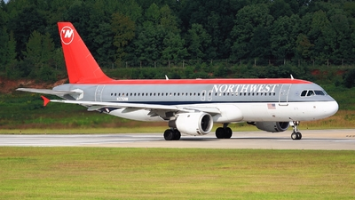N376NW - Airbus A320-212 - Northwest Airlines