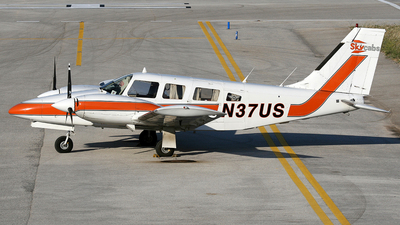 A picture of N37US - Piper PA34200T - [348070111] - © José Jorge