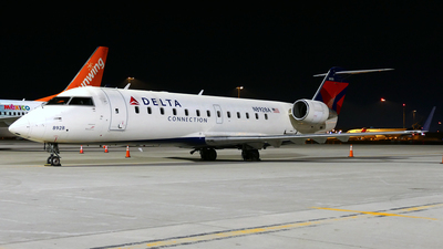 N8928A - Bombardier CRJ-440 - Delta Connection (Endeavor Air)
