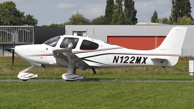 A picture of N122MX - Cirrus SR20 - [2347] - © diopere geert