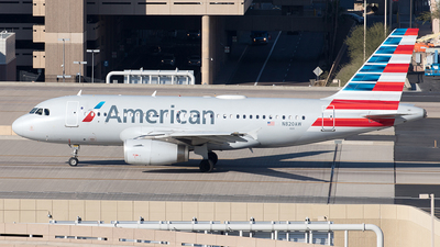 A picture of N820AW - Airbus A319132 - American Airlines - © Yixin Chen