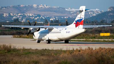 A picture of SXEIT - ATR 42500 - Sky Express - © John Leivaditis