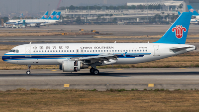 A picture of B6293 - Airbus A320214 - China Southern Airlines - © Jerry_Hammer