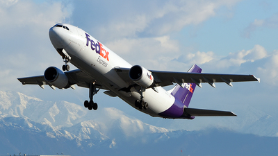 A picture of N684FE - Airbus A300F4605R - FedEx - © Rocky Wang