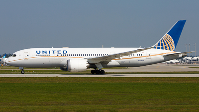 A picture of N27903 - Boeing 7878 Dreamliner - United Airlines - © Chr Pe