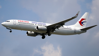 B-1537 - Boeing 737-89P - China Eastern Airlines