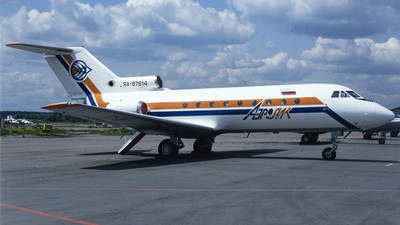 RA-87814 - Yakovlev Yak-40 - Aerolik