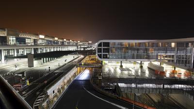 LIMC - Airport - Terminal