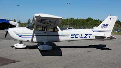 SE-LZT - Cessna 172S Skyhawk SP - Private