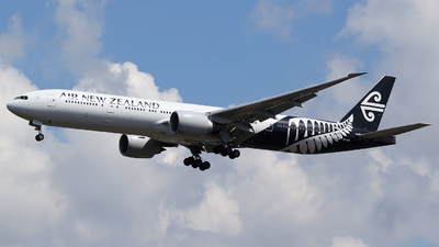 ZK-OKS - Boeing 777-319ER - Air New Zealand