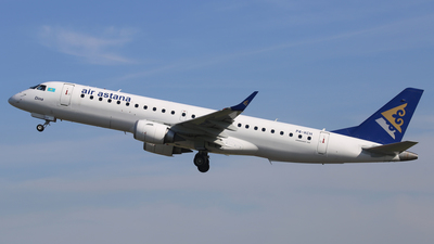 P4-KCH - Embraer 190-100LR - Air Astana