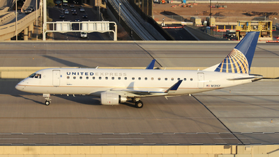A picture of N131SY - Embraer E175LR - United Airlines - © XueQing