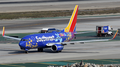 N7816B - Boeing 737-7L9 - Southwest Airlines