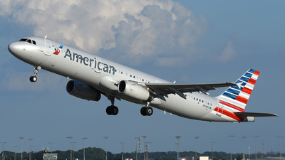 A picture of N584UW - Airbus A321231 - American Airlines - © DJ Reed - OPShots Photo Team