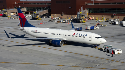 A picture of N3745B - Boeing 737832 - Delta Air Lines - © Michael Rodeback