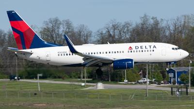 N302DQ - Boeing 737-732 - Delta Air Lines